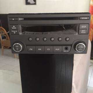 Nissan Serena CD player