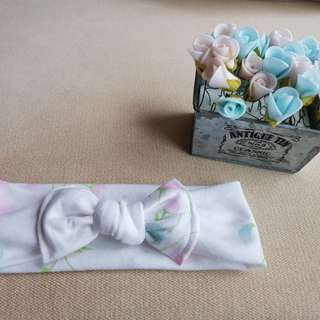 Candy tieknot bowband in white florals
