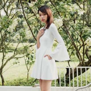 [Y] Flutter-Fly Bell Sleeve Dress