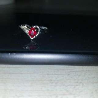 18K白金红宝石介子红宝石0.40份鑽石三粒0.09份重6份4圈口10半