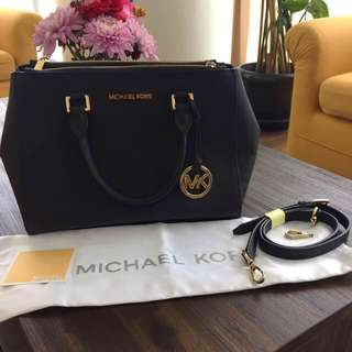 Michael Kors Sutton Black Medium