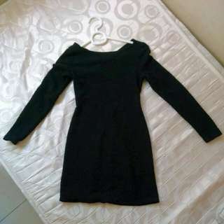 black backless long sleeve short dress