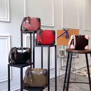 LV venice sling bag