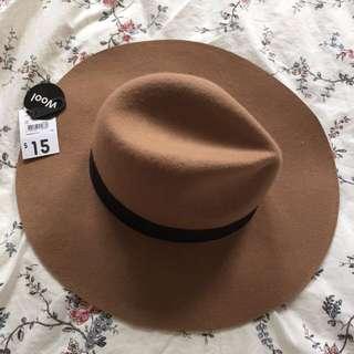 Fedora hat in caramel