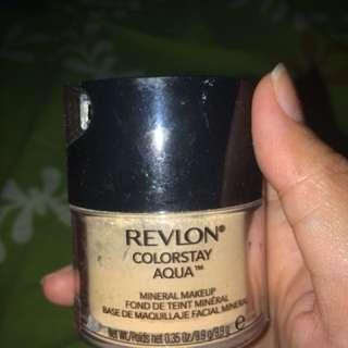 Foundation powder revlon