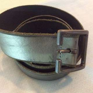 Springfield Mens DistressedMetallic Leather Belt size 30-34