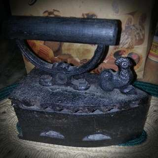 Antique  Cast Iron Charcoal Iron
