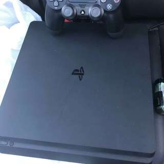 PlayStation 4slim
