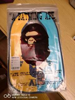 100% New & real A Bathing Ape 口水巾