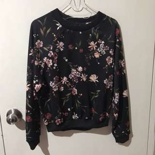 New- bershka flower long sweater. Sweater tangan panjang bunga