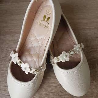 Abegail Beige Shoe