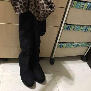 黑色長boot