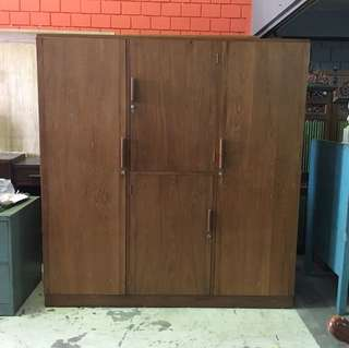 Antique 6 ft wardrobe