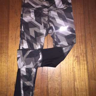 Nike camo tights (small)