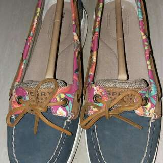REPRICED!!!!FOR SALE SPERRY FOR WOMEN