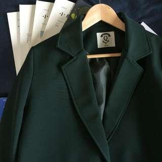 我要出席正式場合需要西裝外套但是我喜歡綠色黑色太嚴肅了 #舊愛換新歡 #女裝禦寒大衣