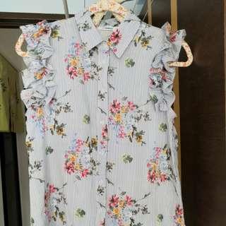 Light blue floral sleeveless collar shirt size 8