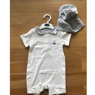 Baby outfit with sun hat