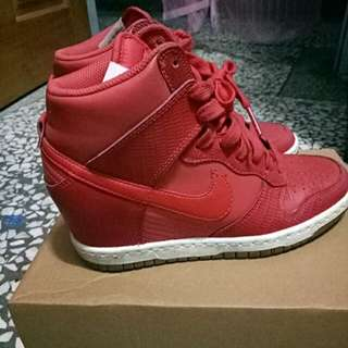 Nike 內增高休閒鞋˙
