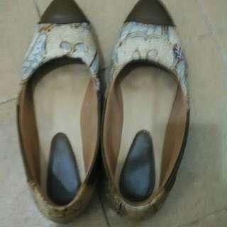 Sepatu batik lawas