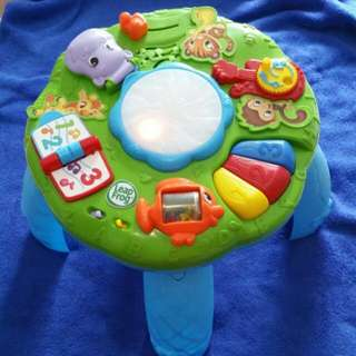 Leapfrog activity table light and music