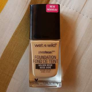 Wet N Wild Photofocus Foundation in Golden Beige