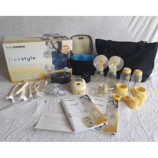 Medela FreeStyle Breast Pump with Tote Bag and Hands-free Kit (Lactaequip)