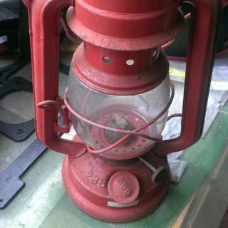 🚚 老式油燈