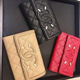 Chanel Filigree Med Snap Wallet