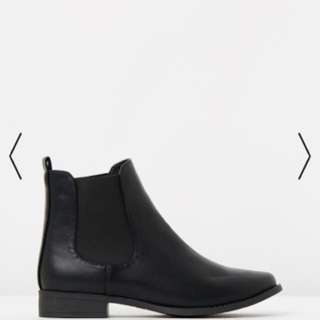 Spurr Basics Black Boots - EU 36 / AU 5 / UK 3