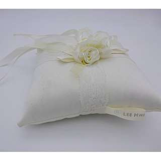 Ring Pillow Lee Hwa (free delivery)