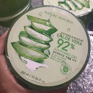 Nature Republic Soothing & Moisture Aloe Vera 92% Soothing Gel.