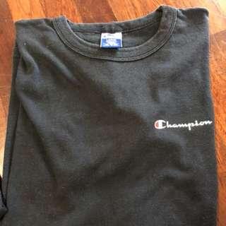 Champion Vintage Small Logo Tee Size L