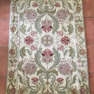 Hand Knotted Wool Rug Floral Design