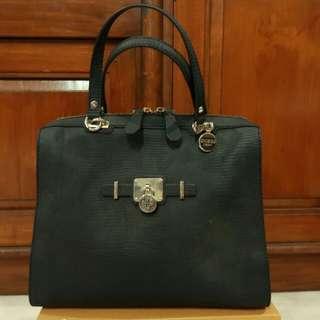 Preloved Guess bag Original Very Good Condition