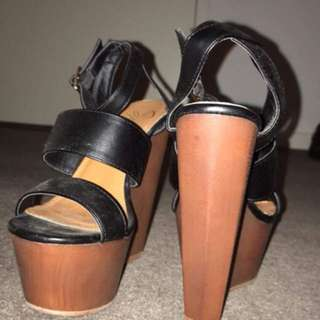 Black and Tan wedges size 5