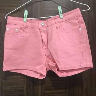 修邊粉色短褲