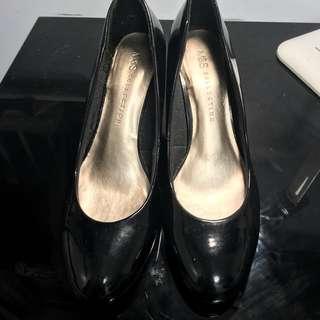 馬莎黑色返工鞋