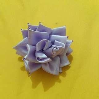 Jepit bunga ungu lucu