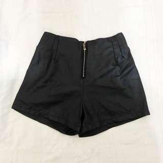 🚚 歐美 高腰仿皮短褲