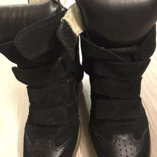 Authentic Isabel Marant leather shoe in super good condition