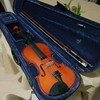 Cremona Violin from JB Music