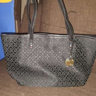 Brandnew  Authentic Tommy Hilfiger Bags