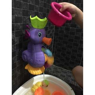 Seahorse Bath Time Turning Water Wheel Toy And Sieve Cup Accessories