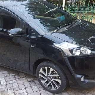 Toyota Sienta V Matic oper kredit