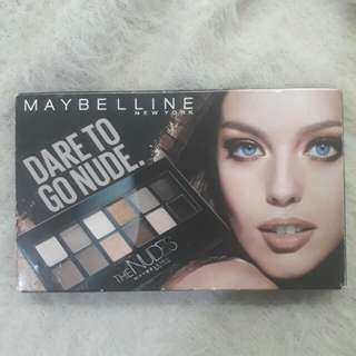 Dare to Go Nude Eyeshadow palette