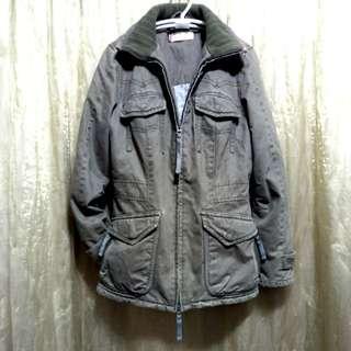 Levi's 軍裝舖棉長版外套👧 GIRL -M-90🔥特價