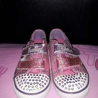 Sepatu skechers size 24