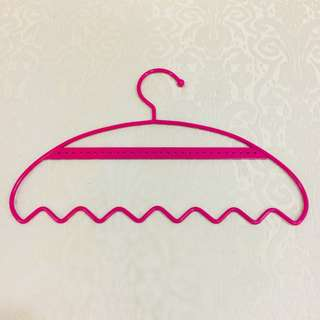 Home - Hot Pink Jewellery Hanger