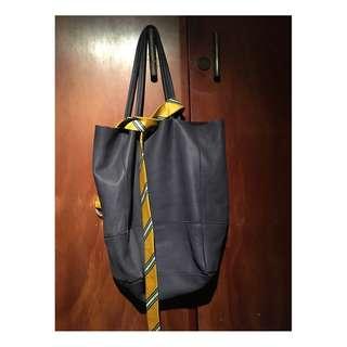 Tote bag similar to bottega model
